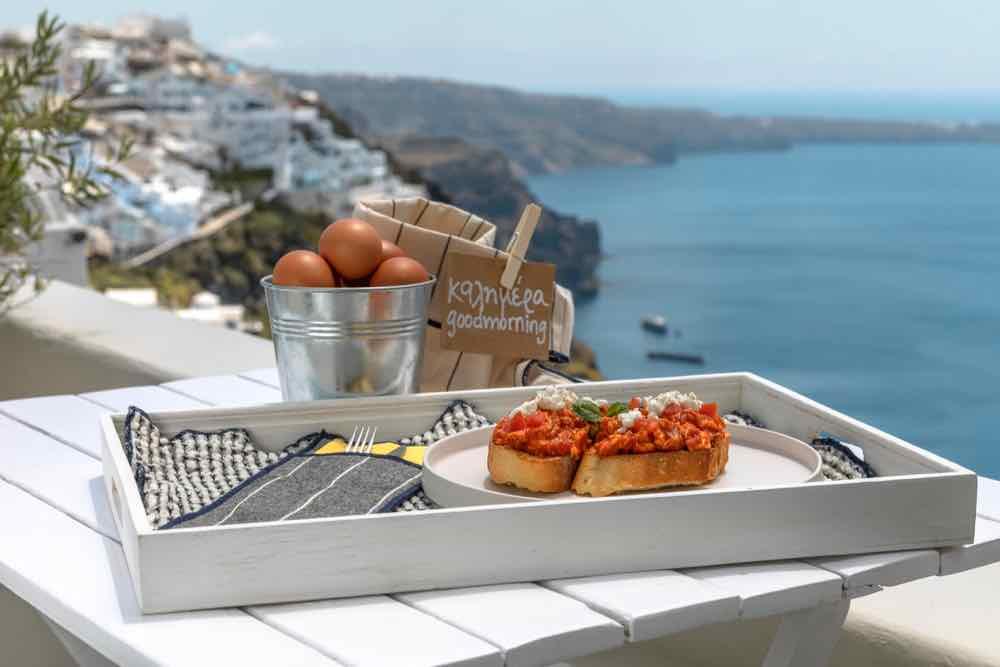 breakfast santorini bluedolphins03