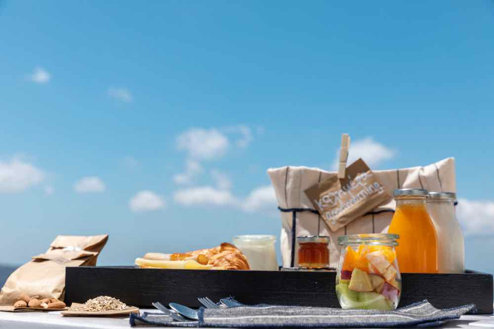 breakfast santorini bluedolphins07